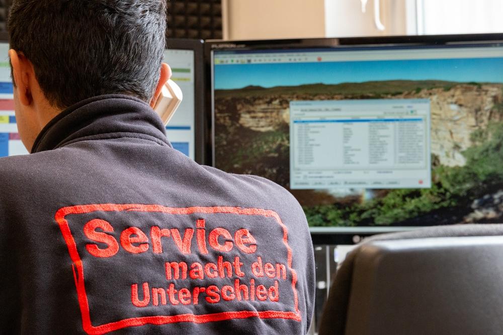 Service-macht-den-Unterschied-TVFay-Telefon-Backoffice