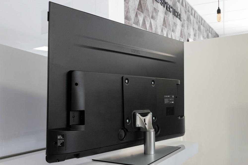 Loewe-Bild2-Rueckseite-komplett-TVFay
